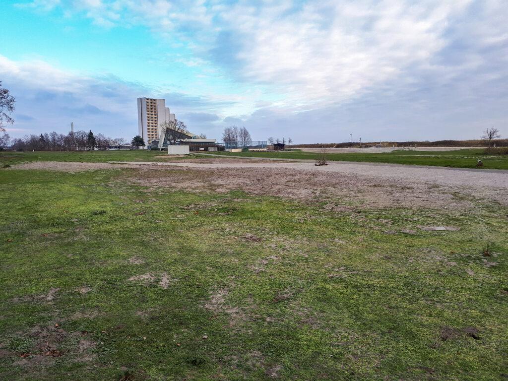 """""""Spielwiese"""" - aufgrund der Eigentumsverhältnisse nicht Teil der Spielplatzplanung"""