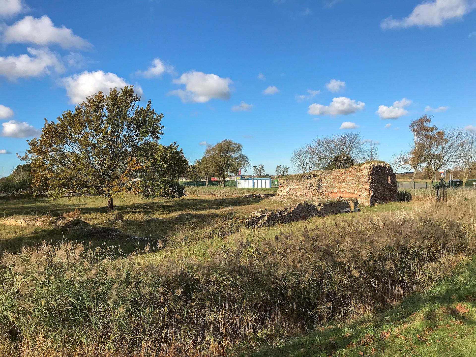 Fehmarn Südstrand, denkmalgeschützte Burgruine Glambeck