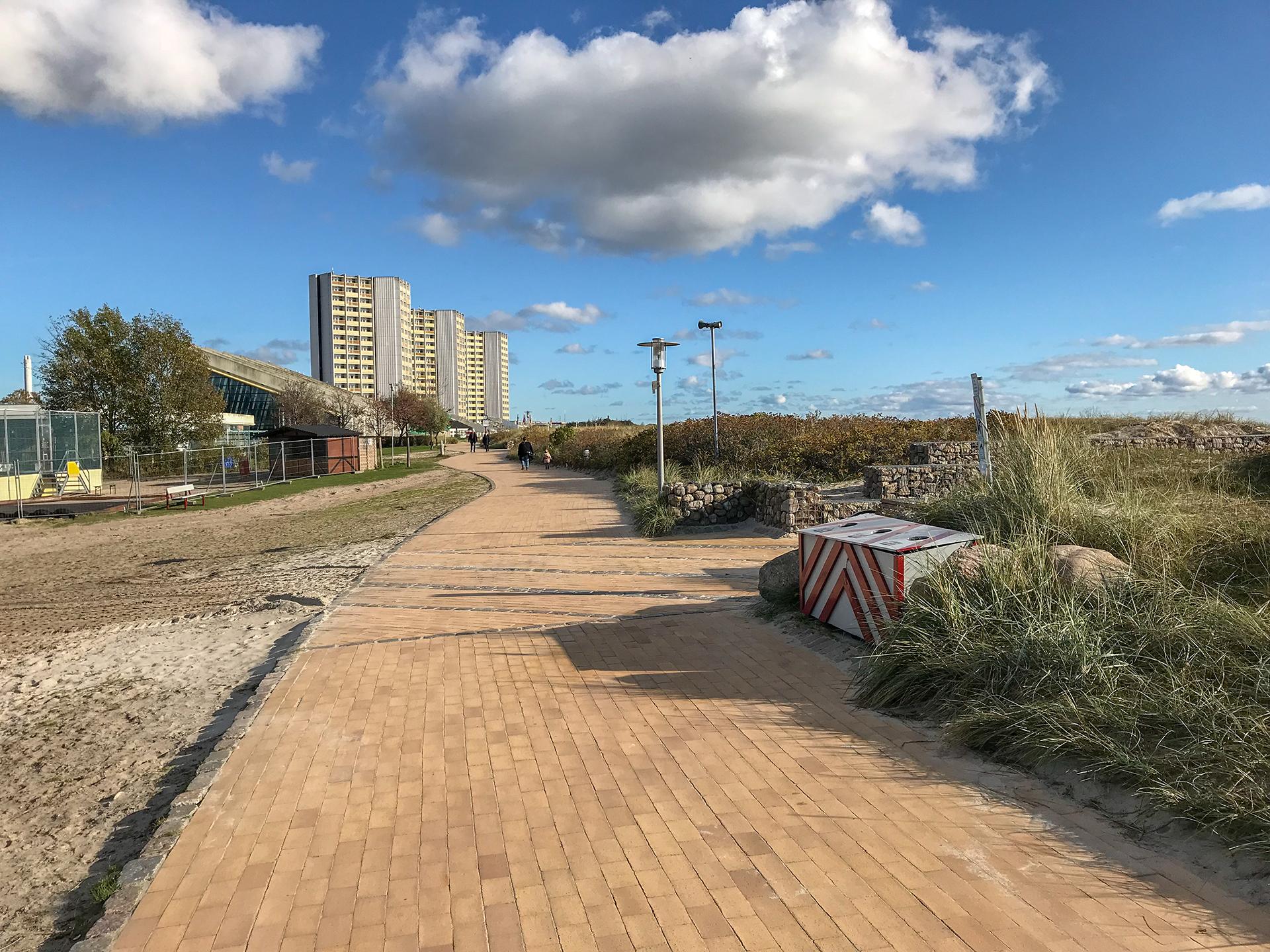 Fehmarn Südstrand, Unter Denkmalschutz: Haus des Gastes, Meerwasserwellenbad, IFA Häuser, Herbst 2019